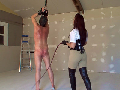 Mistress tortures severely the lash