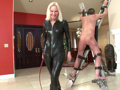Mistress sidonia the masked fucktoy 10